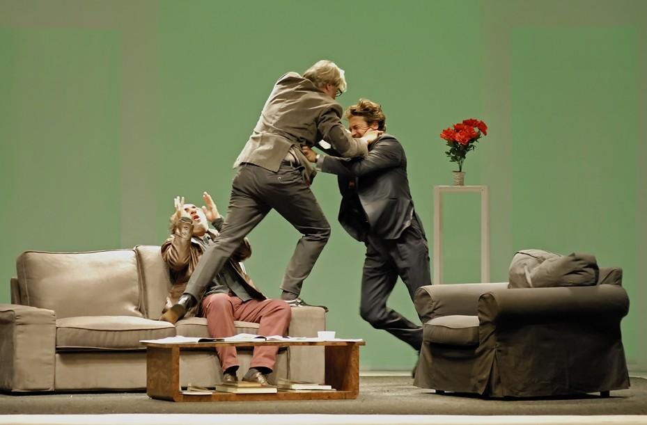 Alessio Boni, Alessandro Haber e Gigio Alberti in una scena dello spettacolo