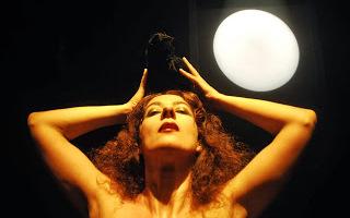 Hamletelia - Caroline Pagani
