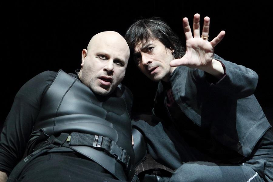 Vincenzo Pirrotta e Luigi Lo Cascio in una scena dello spettacolo
