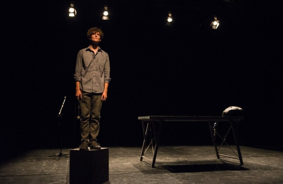Tiziano Panici in una scena dello spettacolo