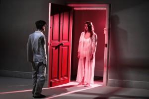 """Fausto Paravidino e Sara Putignano in una scena de """"I vicini"""""""