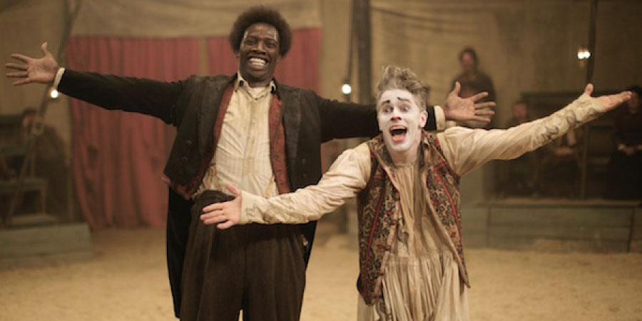 "Omar Sy e James Thierree in ""Mister Chocolat"""