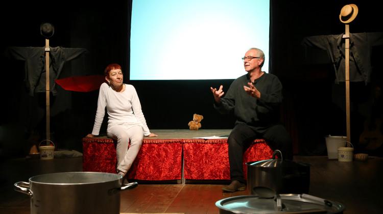 Paola Berselli e Stefano Pasquini in una scena dello spettacolo.