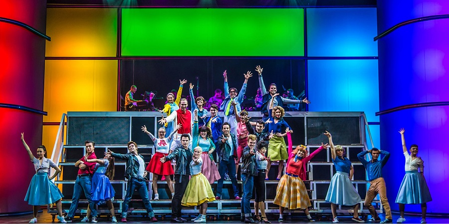 Grease2017900x450