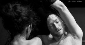 Romeo e Giulietta 1.1 - la sfocatura dei corpi (ph. Serena Nicoletti)